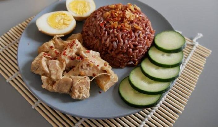 Resep Cara Membuat Gudeg Nangka dan Nasi Merah
