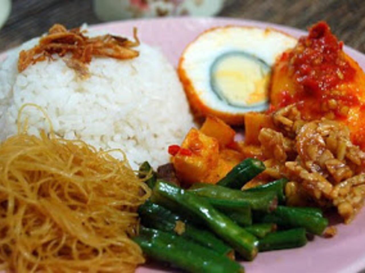 Cara Membuat Nasi Uduk Praktis dan Spesial yang Bisa Dibuat di Rumah